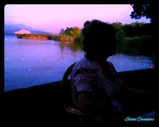 Il profilo dell'anziana ninfa del lago stellato